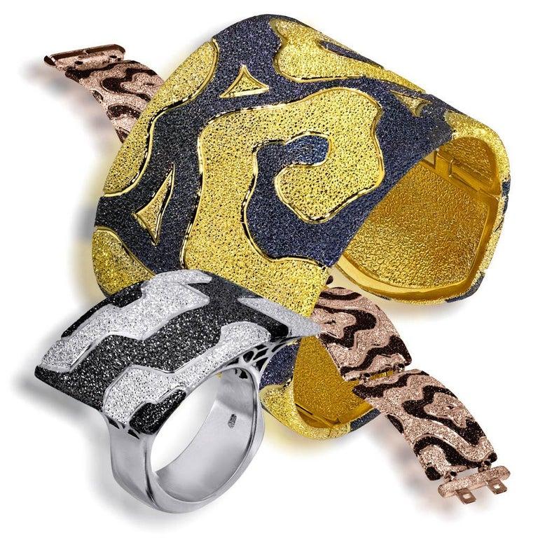 Alex Soldier Diamond Gold Textured Cora Link Bracelet One of a Kind For Sale 1