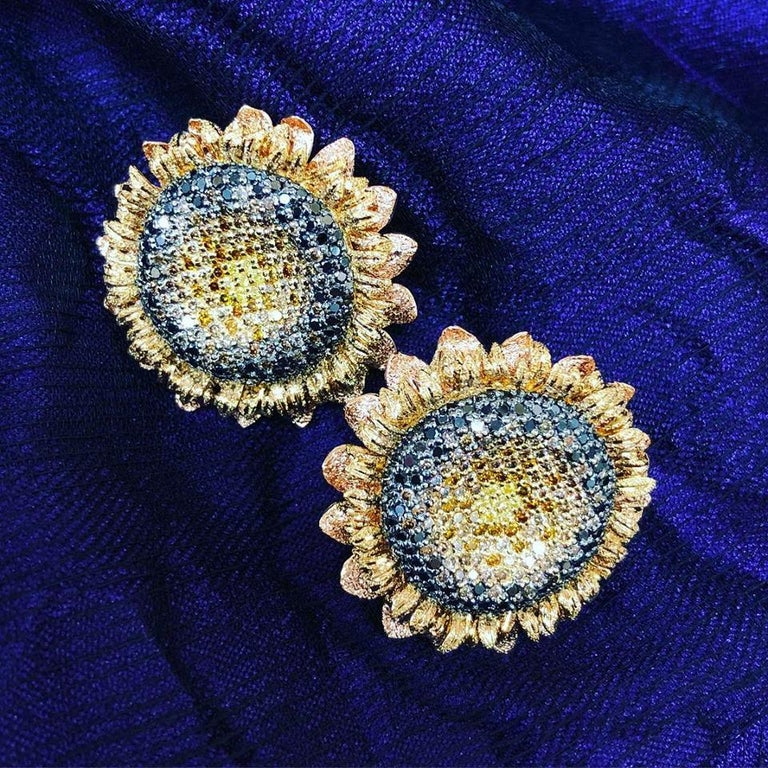 Alex Soldier Diamond Gold Textured Sunflower Earrings Cufflinks One of a Kind For Sale 1