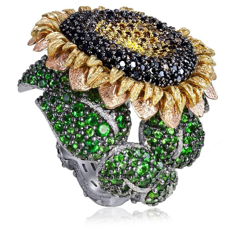 Alex Soldier Diamond Tsavorite Garnet Gold Sunflower Ring In New Condition In New York, NY