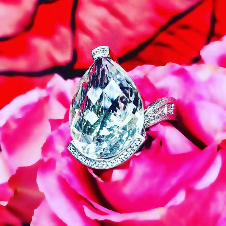 Alex Soldier Diamond White Quartz Gold Textured Swan Ring For Sale 5
