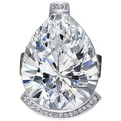 Alex Soldier Diamond White Quartz Gold Textured Swan Ring