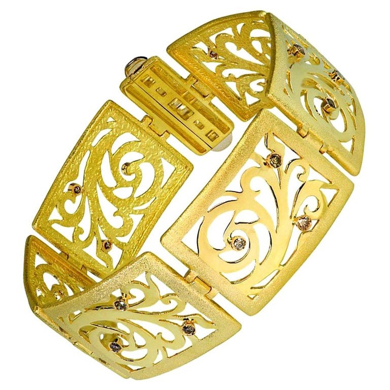 Alex Soldier Diamond Yellow Gold Contrast Texture Handcrafted Link Bracelet For Sale