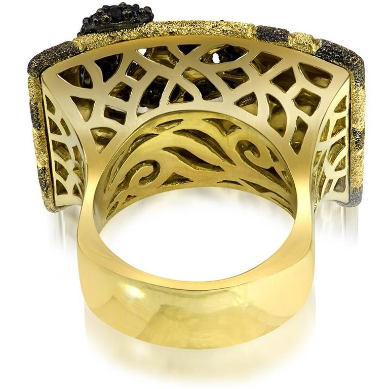 Alex Soldier Diamond Yellow Gold Textured Volna Ring One of a Kind In New Condition For Sale In New York, NY