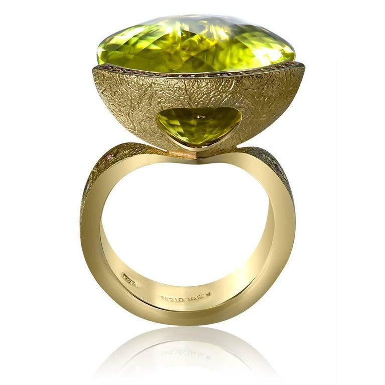 Alex Soldier Lemon Citrine Sapphire Hand-Textured 18k Gold Swan Cocktail Ring For Sale 1