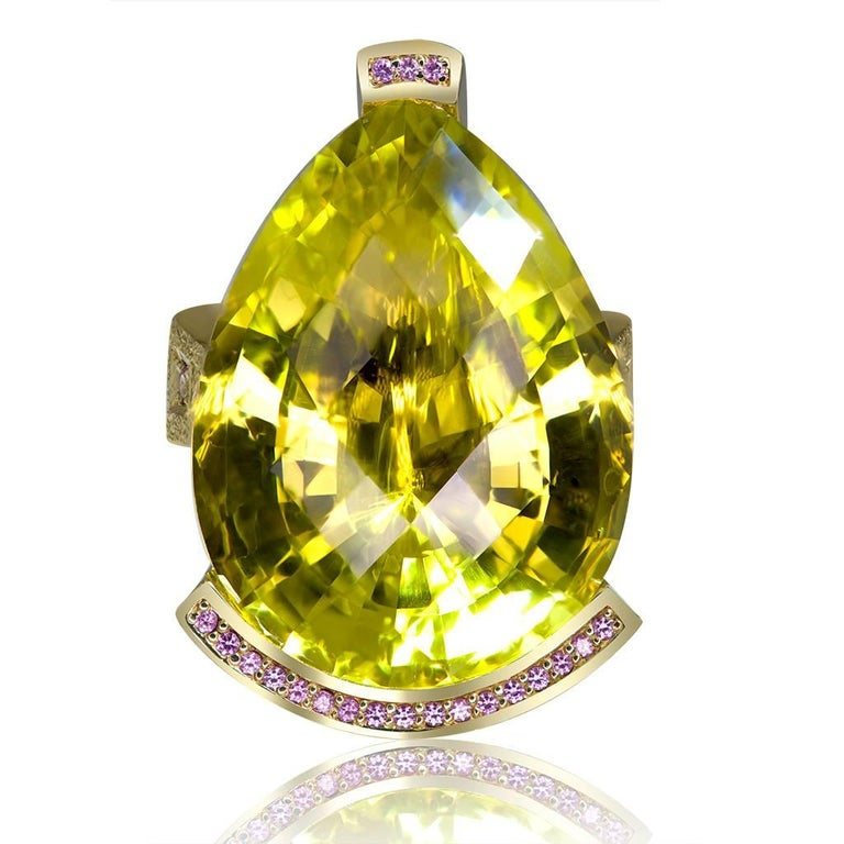 Lemon Swan ring: the gracefulness and poise of the swan has inspired Alex Soldier to create the Swan collection. It is dedicated to every woman who is in love. The form of the center stone resembles a swan's head, and the ring is curved into the