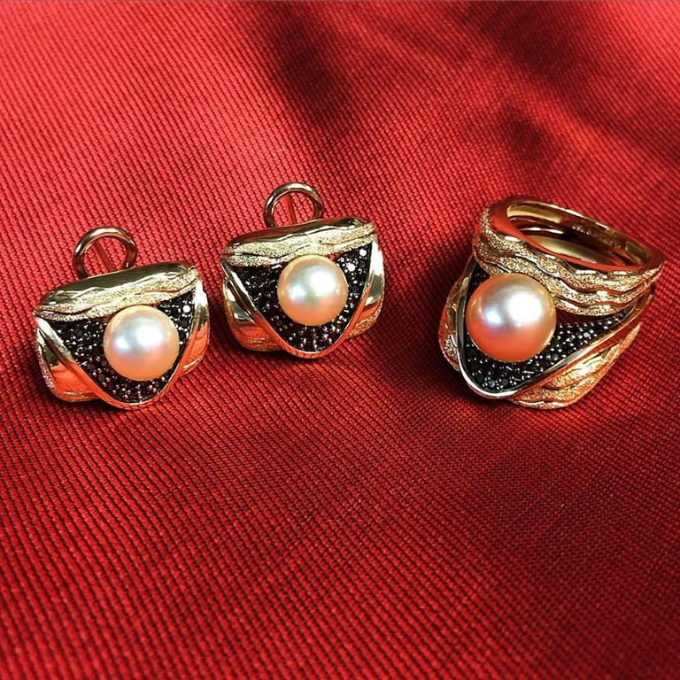 Alex Soldier Pearl Diamond Gold Textured Stud Earrings Cufflinks One of a Kind For Sale 3