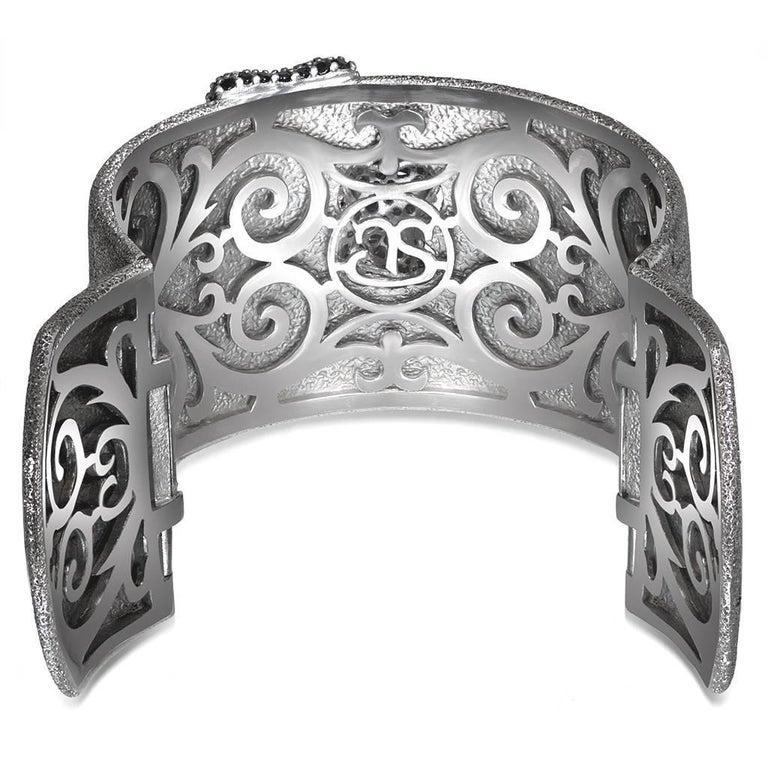 Round Cut Alex Soldier Spinel Sterling Silver Hand-Textured Cuff Bracelet One of a Kind For Sale