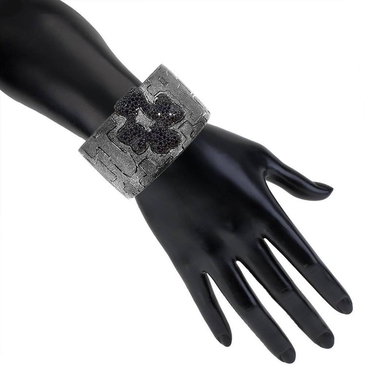 Women's or Men's Alex Soldier Spinel Sterling Silver Hand-Textured Cuff Bracelet One of a Kind For Sale