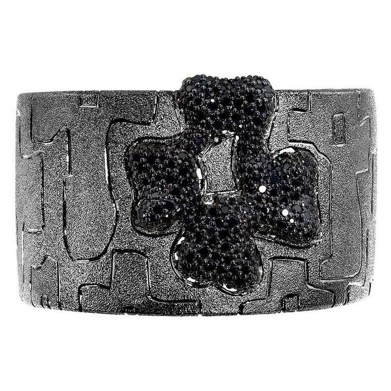 Alex Soldier Spinel Sterling Silver Hand-Textured Cuff Bracelet One of a Kind For Sale