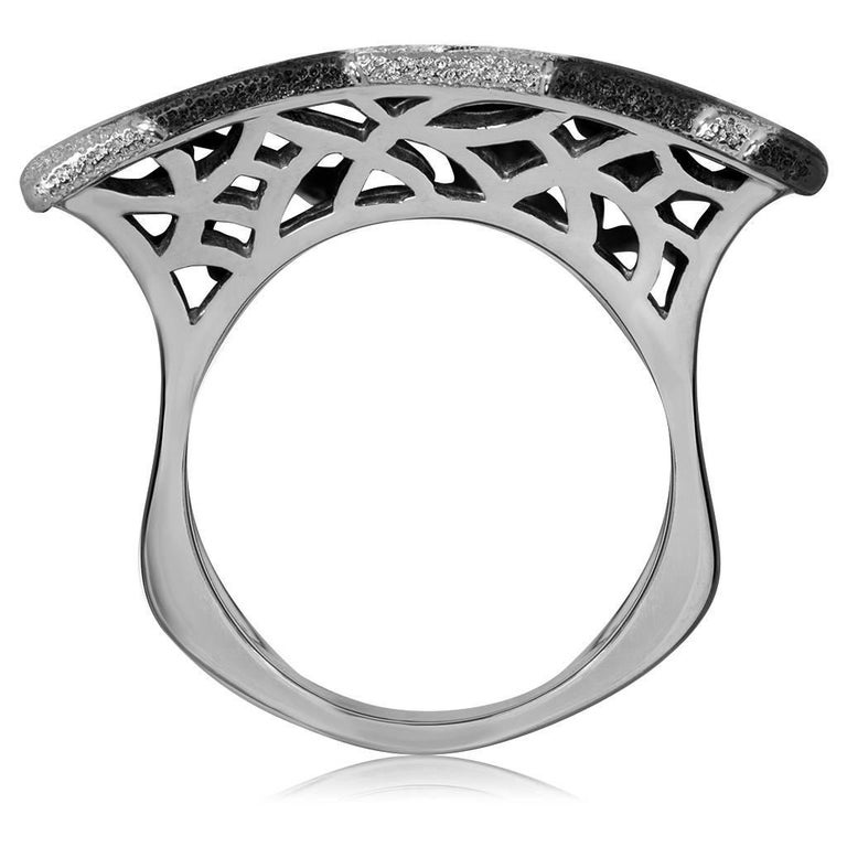 Alex Soldier Sterling Silver Platinum Textured Sun Pattern Ring One of a kind In New Condition For Sale In New York, NY