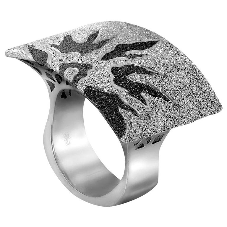 Alex Soldier Sterling Silver Platinum Textured Sun Pattern Ring One of a kind For Sale