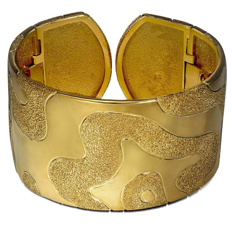 Contemporary Alex Soldier Sterling Silver Yellow Gold Hinged Textured Cuff Bracelet For Sale