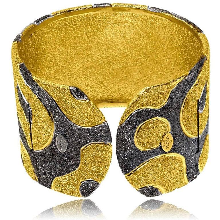 Alex Soldier Sterling Silver Yellow Gold Rhodium Textured Hinged Cuff Bracelet In New Condition For Sale In New York, NY