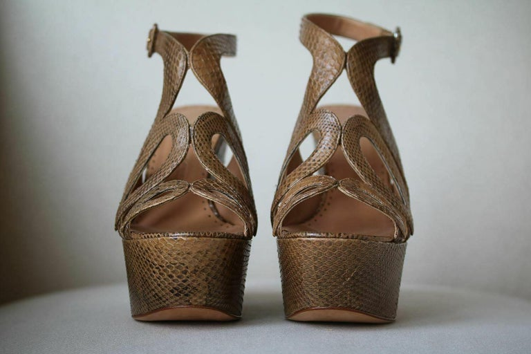 Alexa Wagner Ayers Cut-Out Snakeskin Wedges  In New Condition For Sale In London, GB