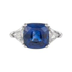 Alexander GIA 7.11 Carat Sapphire with Diamonds Three-Stone Ring 18 Karat Gold