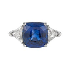 Alexander GIA 7.11 Carat Sapphire with Diamonds Three-Stone Ring 18 Karat Gold