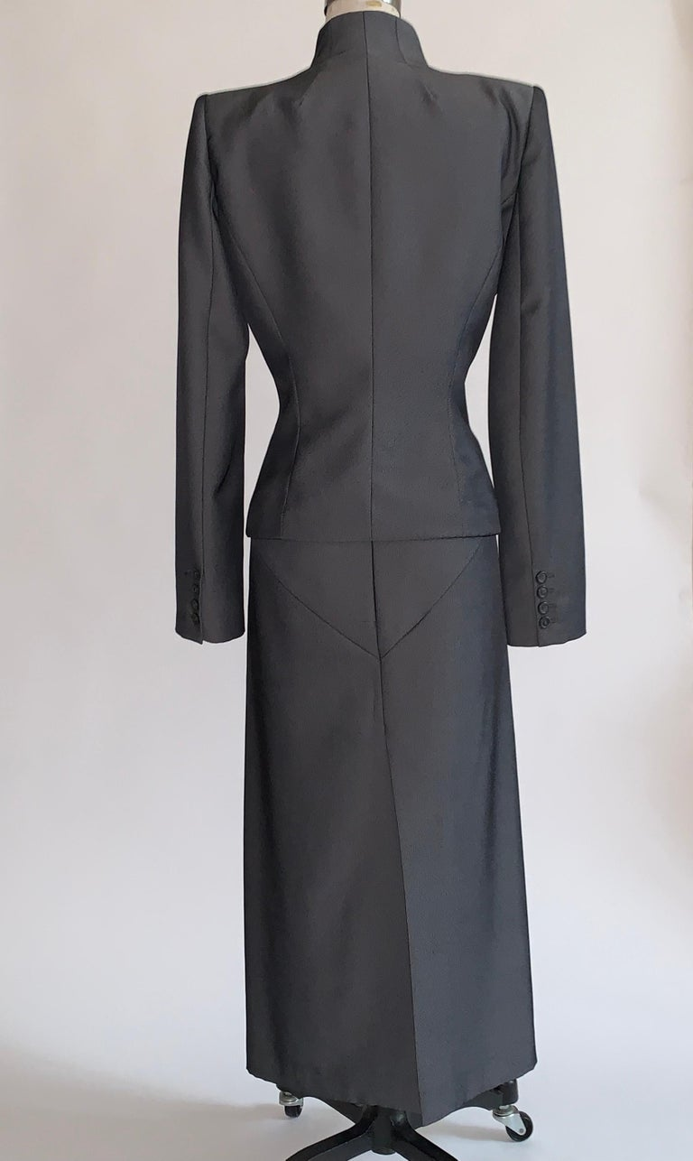 Alexander Mcqueen 1998 Joan Skirt Suit with Zippered Jacket and Logo Red Lining In Good Condition For Sale In San Francisco, CA
