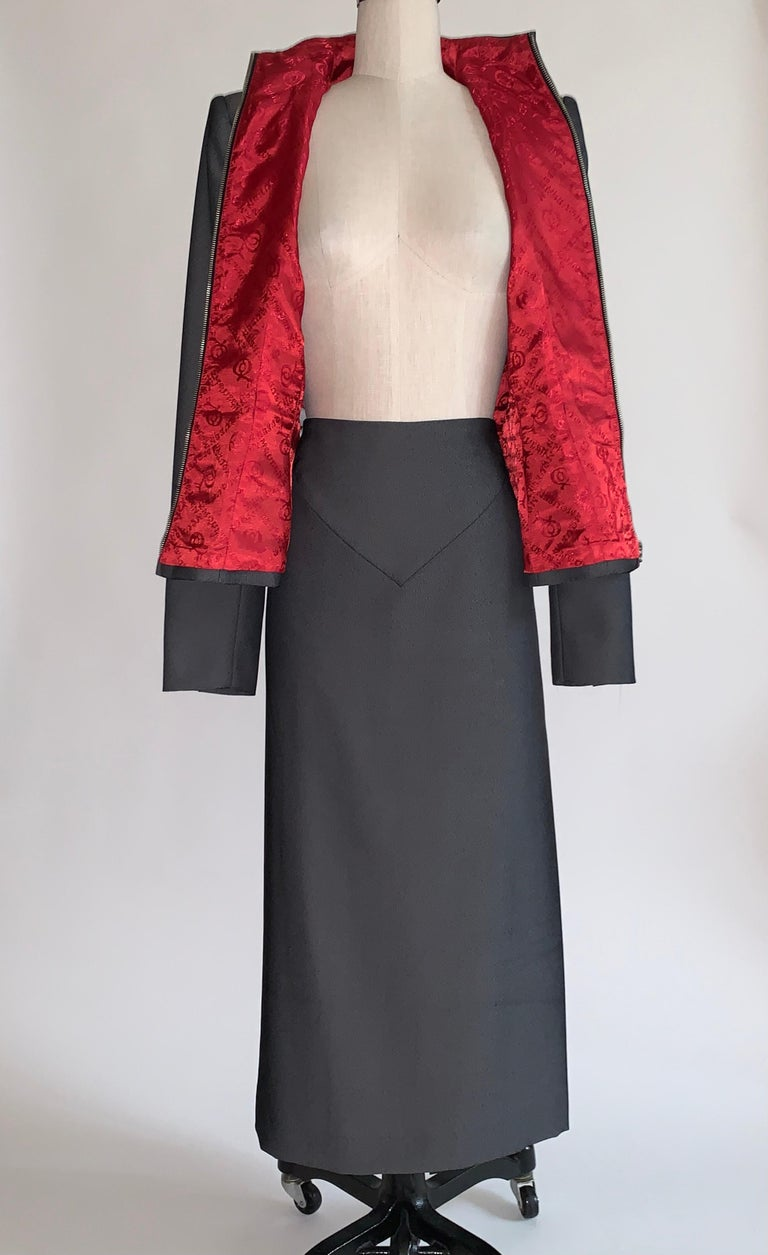 Women's Alexander Mcqueen 1998 Joan Skirt Suit with Zippered Jacket and Logo Red Lining For Sale