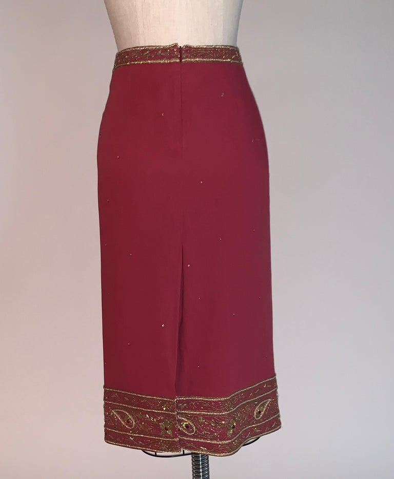 Alexander Mcqueen 2004 Gold Embellished Burgundy Red Pencil Skirt  In Good Condition For Sale In San Francisco, CA