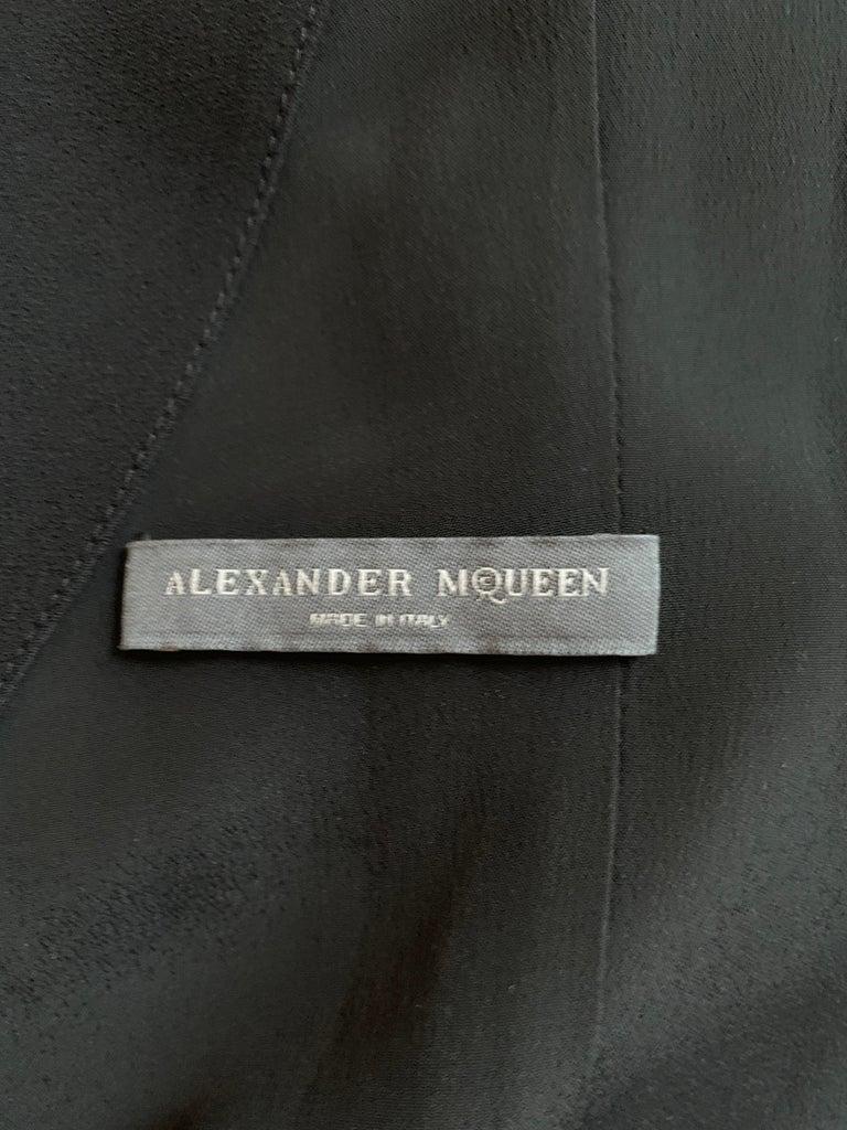Alexander McQueen 2008 Black Drop Waist Dress with Pink Silk Band Detail For Sale 2