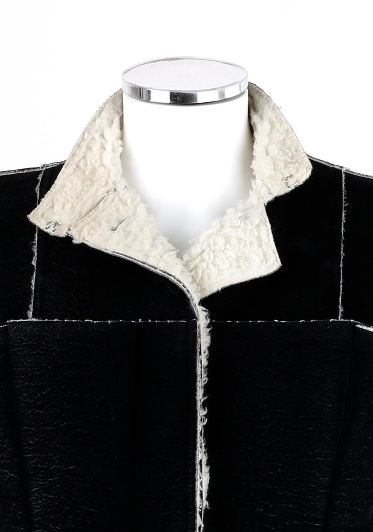 ALEXANDER McQUEEN A/W 1999 Black Cream Shearling Sherpa Panel Jacket Coat  In Good Condition For Sale In Thiensville, WI