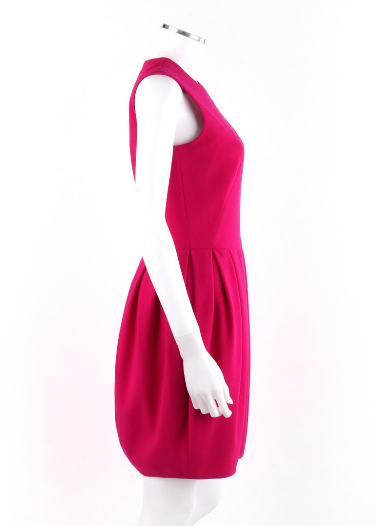 ALEXANDER McQUEEN A/W 2012 Fuchsia Pink Wool Bubble Pegged Mini Dress Size 40  In Good Condition For Sale In Thiensville, WI