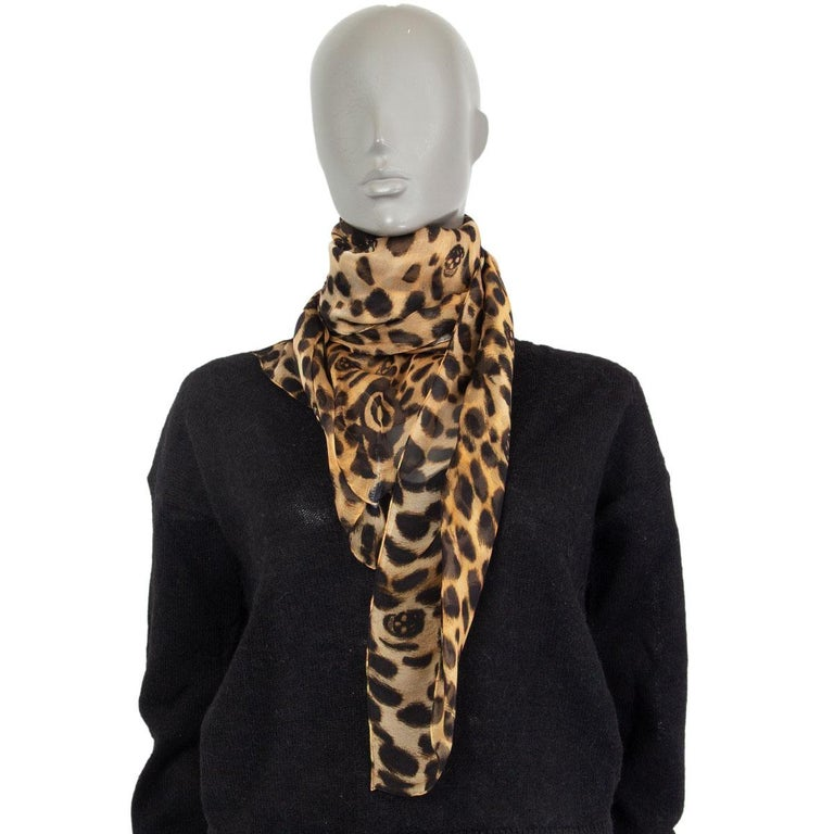 Alexander McQueen leopard skull chiffon scarf in espresso brown, brown, beige, light beige and off-white silk (100%). Has been worn and is in excellent condition.   Width 135cm (52.7in) Length 135cm (52.7in)