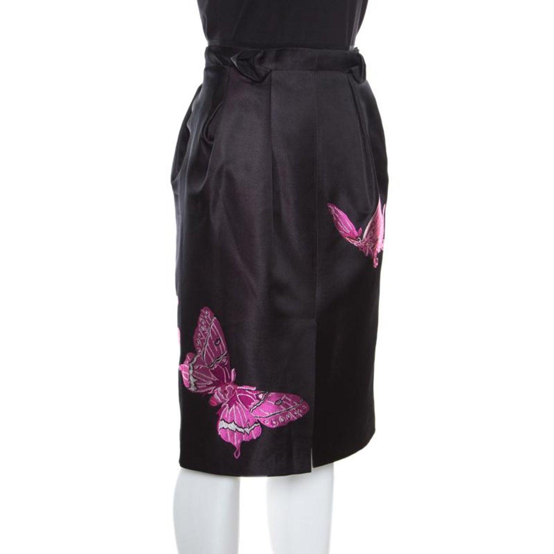 0a5d0aa5c7c6 Alexander McQueen Black Butterfly Motif Detail Silk Pencil Skirt M For Sale  at 1stdibs