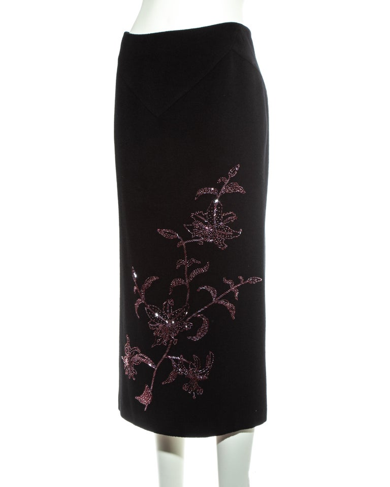 Alexander McQueen black cashmere pencil skirt with red floral beading, fw 1998 For Sale 1
