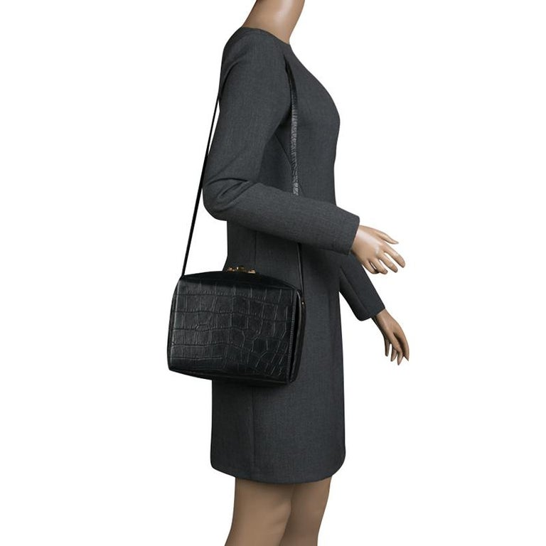 Alexander McQueen Black Croc Embossed Leather Box Shoulder Bag In Good Condition For Sale In Dubai, AE