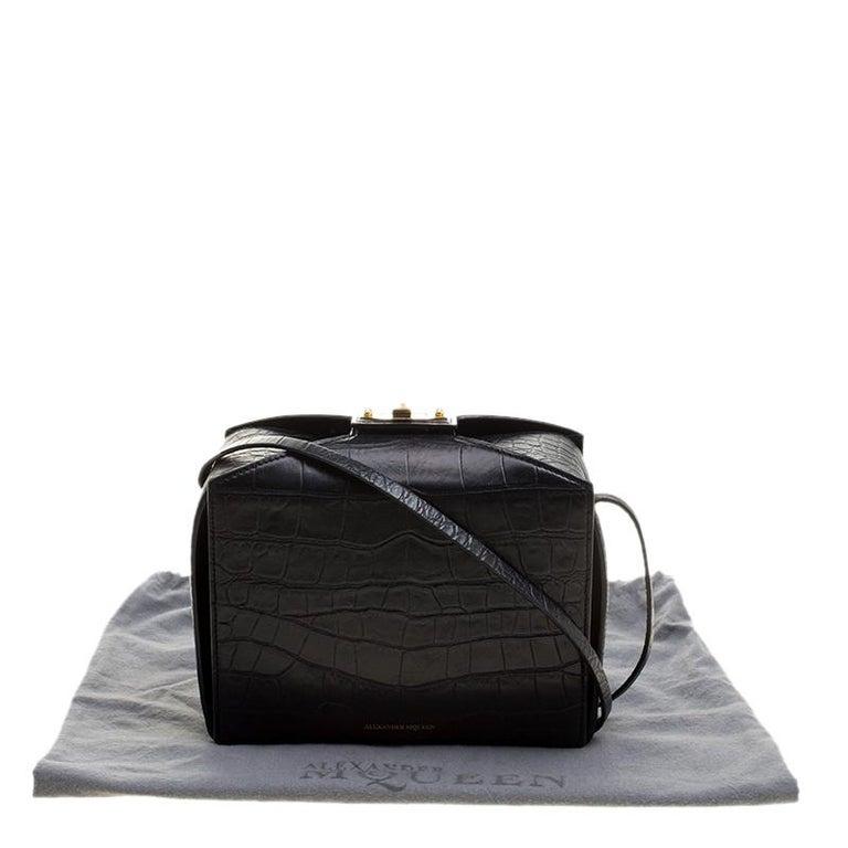 Alexander McQueen Black Croc Embossed Leather Box Shoulder Bag For Sale 5
