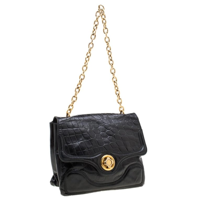 Women's Alexander McQueen Black Croc Embossed Leather Flap Chain Shoulder Bag For Sale