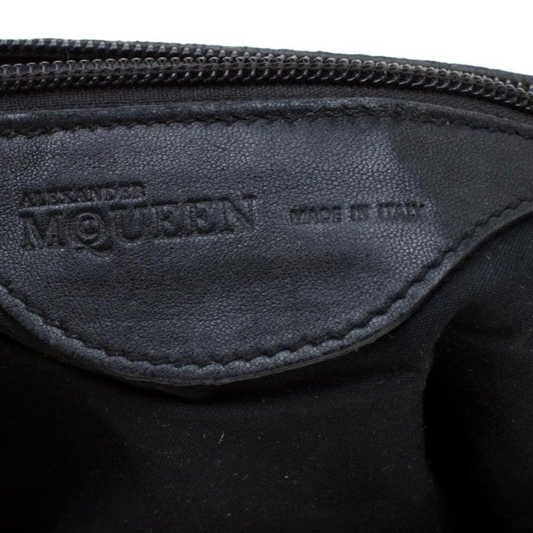 Alexander McQueen Black Croc Embossed Leather Flap Chain Shoulder Bag For Sale 3