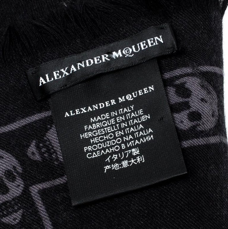 Alexander McQueen Black & Grey Skull Print Cashmere Scarf For Sale 1