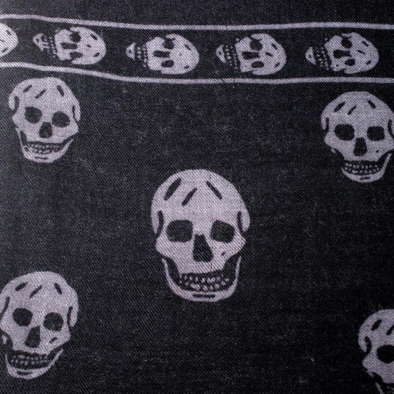Alexander McQueen Black & Grey Skull Print Cashmere Scarf For Sale 3