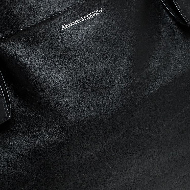 Alexander McQueen Black Leather De Manta Tote For Sale 2