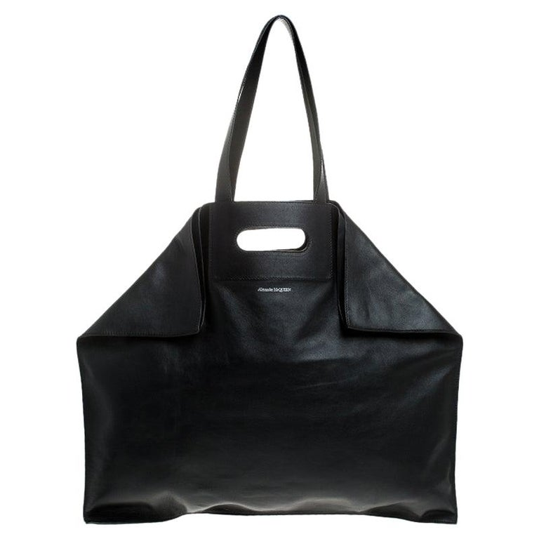 Alexander McQueen Black Leather De Manta Tote For Sale