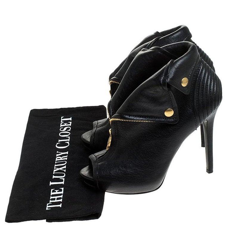 Alexander McQueen Black Leather Faithful Skull Peep Toe Booties Size 37 For Sale 4