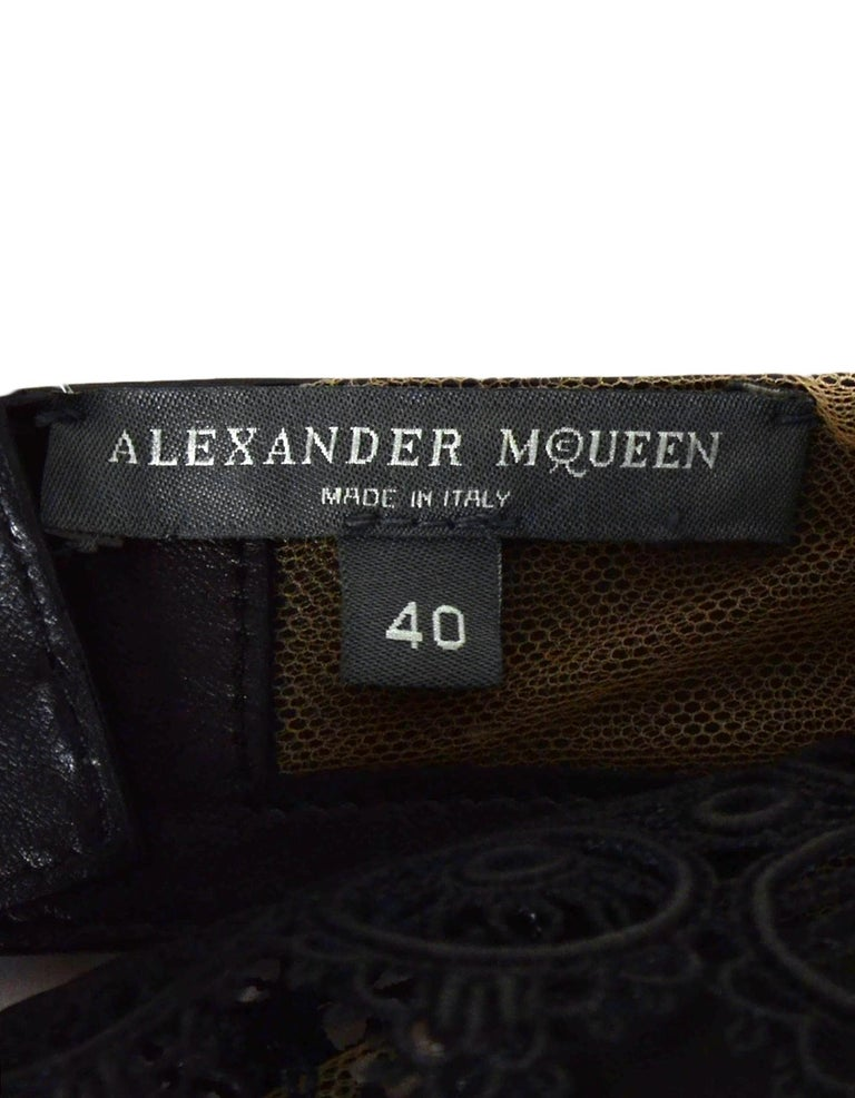 Alexander McQueen Black Leather Halter-Neck Bra Top with Lace Detail In Excellent Condition For Sale In New York, NY