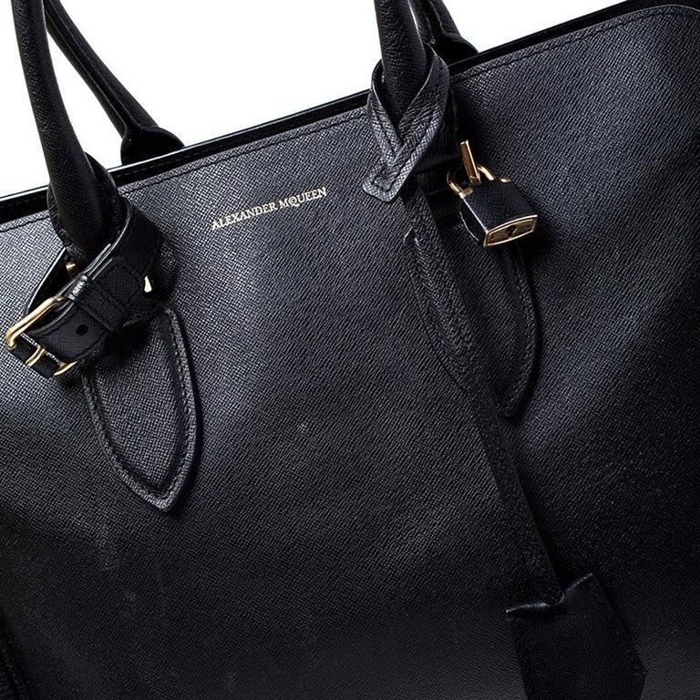 Alexander McQueen Black Leather Heroine Open Tote For Sale 1