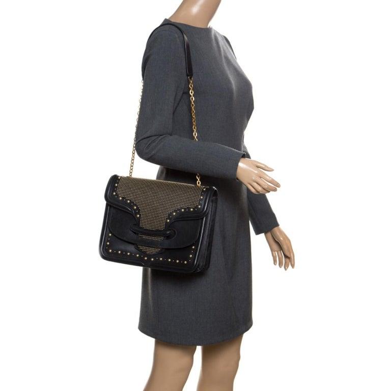 Alexander McQueen Black Leather Heroine Studded Shoulder Bag In Good Condition In Dubai, Al Qouz 2
