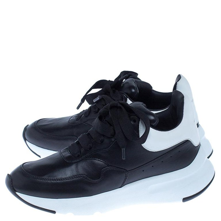 Women's Alexander McQueen Black Leather Lace Up Sneakers Size 37 For Sale
