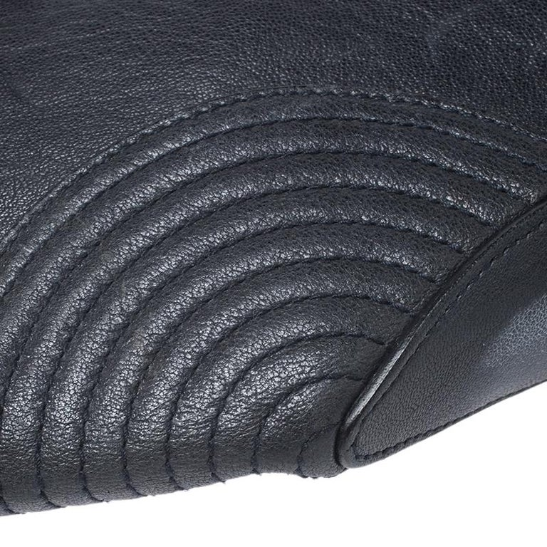 Alexander McQueen Black Leather Medium De Manta Clutch For Sale 6