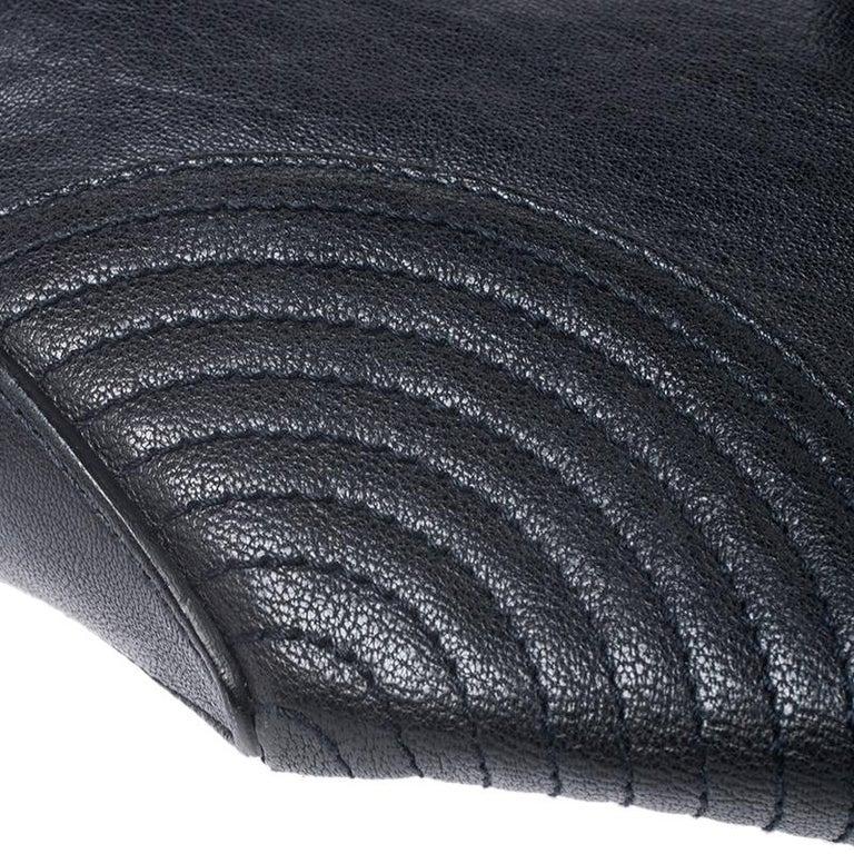 Alexander McQueen Black Leather Medium De Manta Clutch For Sale 3