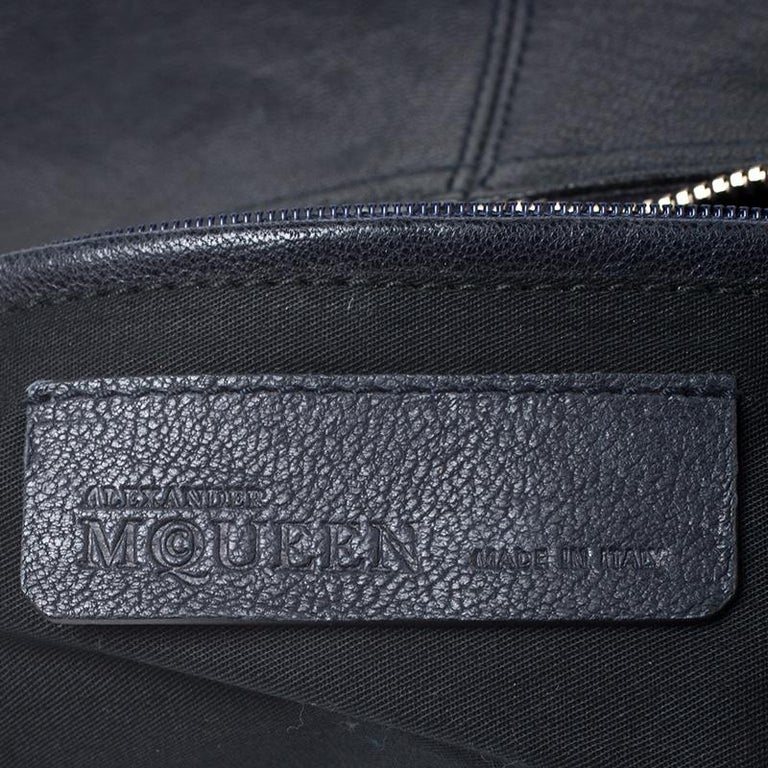 Alexander McQueen Black Leather Medium De Manta Clutch For Sale 4