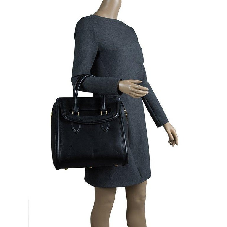 Alexander McQueen Black Leather Medium Heroine Tote In Good Condition For Sale In Dubai, AE