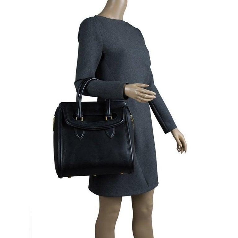 Alexander McQueen Black Leather Medium Heroine Tote In Good Condition For Sale In Dubai, Al Qouz 2