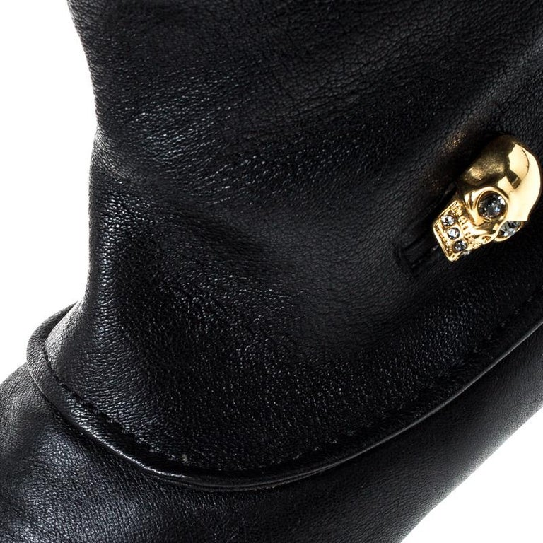 Alexander McQueen Black Leather Skull Charm Knee Length Boots Size 40 For Sale 2