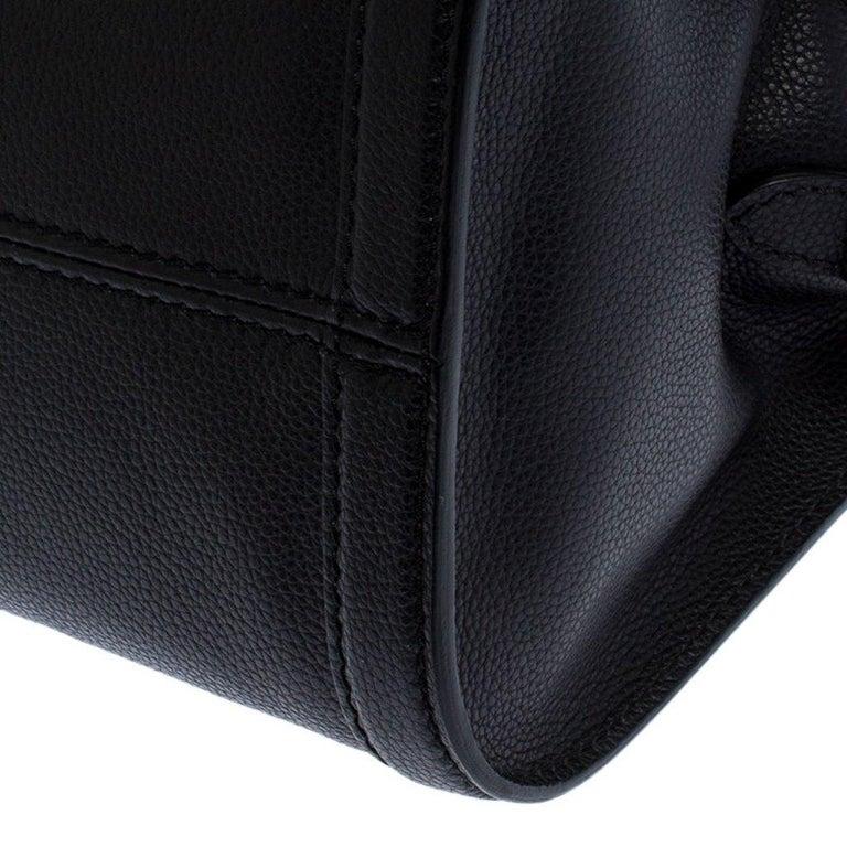 Alexander McQueen Black Leather Skull Padlock Tote For Sale 7
