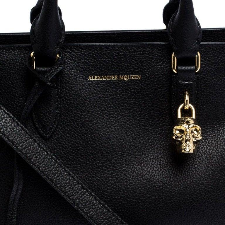 Alexander McQueen Black Leather Skull Padlock Tote For Sale 2